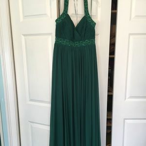 Gorgeous Green JS Boutique Halter Long Dress